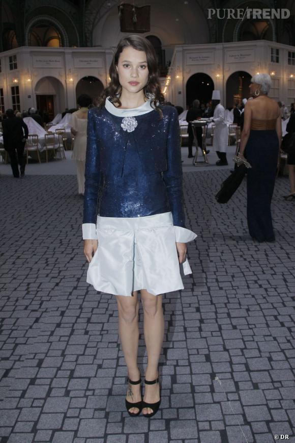Astrid Bergès-Frisbey habillée par Chanel.