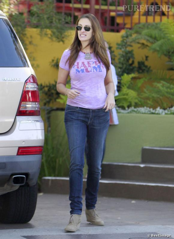 Julia Roberts dans les rues de Los Angeles le 13 juillet dernier.