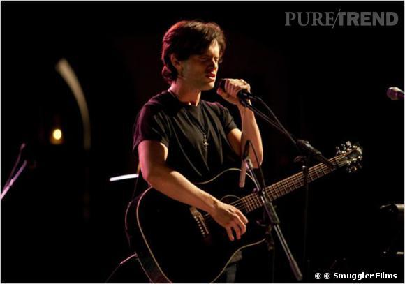 Penn Badgley se glisse dans la peau du chanteur Jeff Buckley.