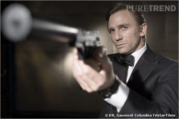 Daniel Craig incarne l'agent 007, James Bond.