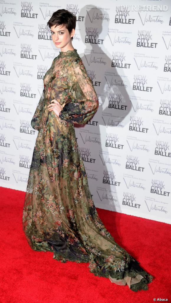 Anne Hathaway se met à la chanson.
