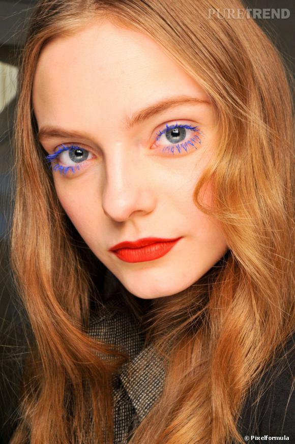 Tendances maquillage : le mascara bleu