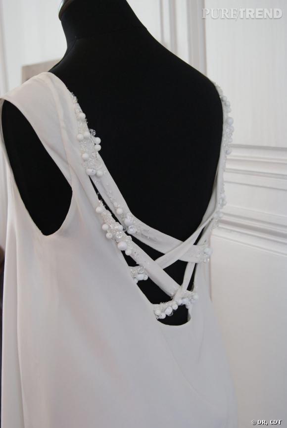 Un joli dos-nu de la collection 2012 Carnets de Mariage.