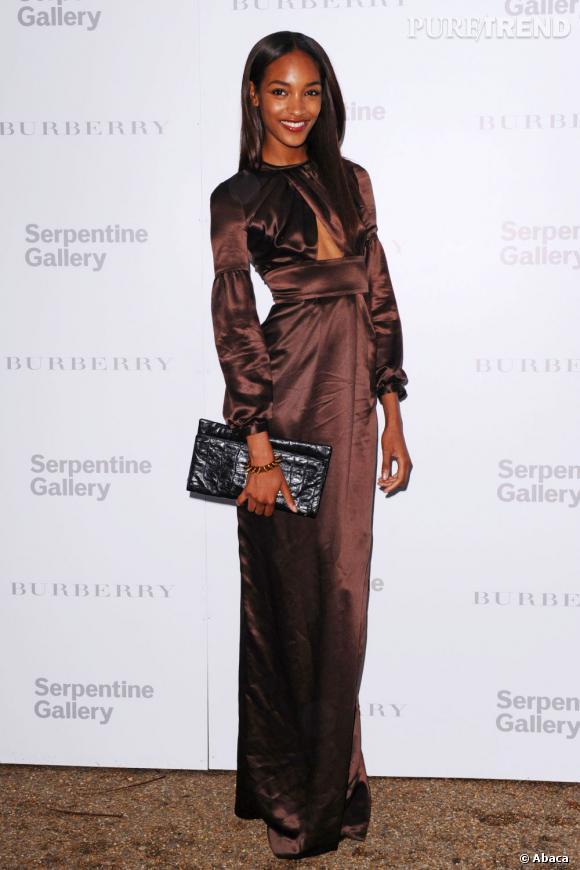 """La top model Jourdan Dunn a annoncé qu'elle aurait sa propre émission culinaire sur la chaine """"Life and Times"""" de Jay-Z."""