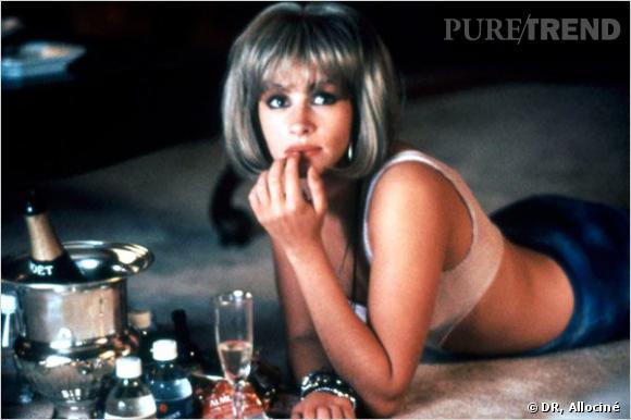 Au début du film, Julia Roberts porte une perruque blonde au carré.