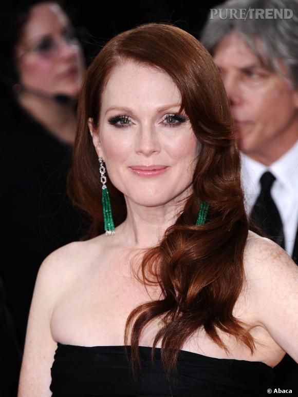 La superbe rousse Julianne Moore mise sur le vert pour souligner son regard émeraude.