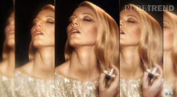 Blake Lively, sensuelle, dans la campagne Gucci Premiere.