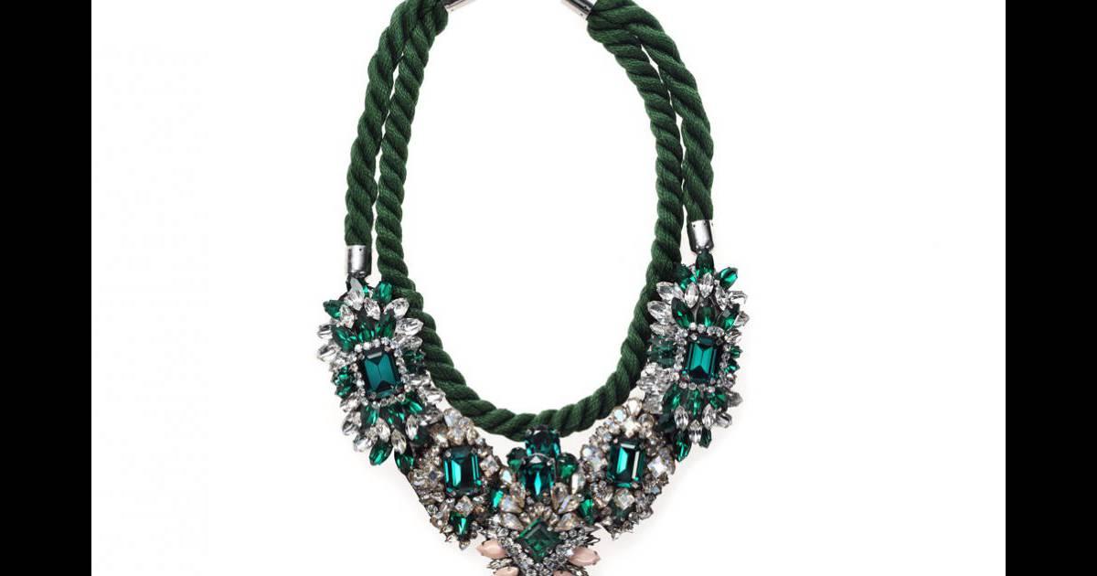 Calendrier de l 39 avent j 15 le collier ivana de shourouk for Les portent claquent