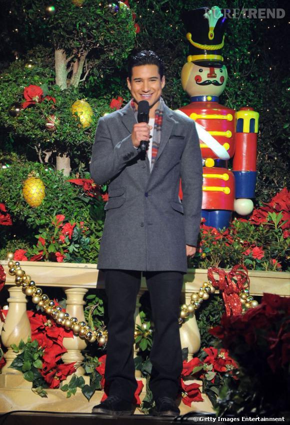 Mario Lopez adore l'esprit de Noël.