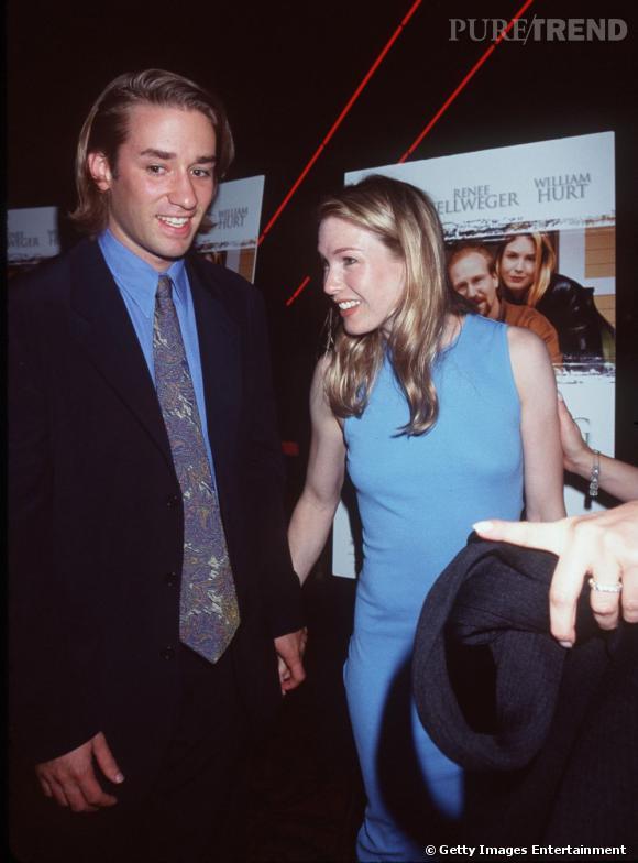 Renee Zellweger de 1996 à 1997 se montre aux bras de Josh Pate, un producteur et scénariste.