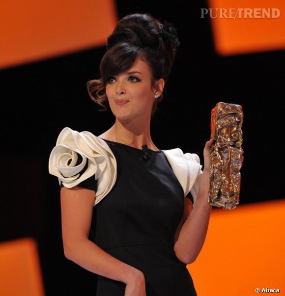 Les plus belles apparitions de Charlotte Le Bon : On craque pour son chignon rétro et haut perché lors de la cérémonie des Césars en 2011.