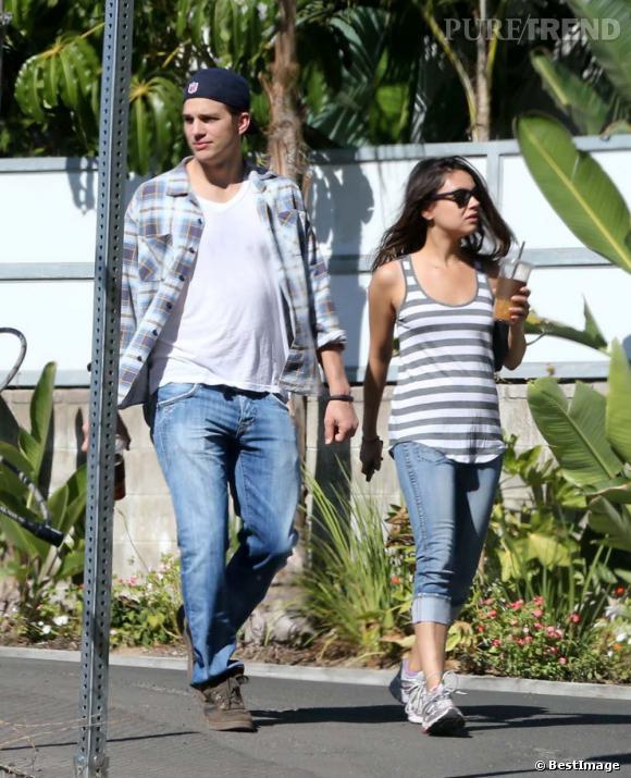 Mila Kunis et Ashton Kutcher cherchent une maison à Chicago selon des magazines.