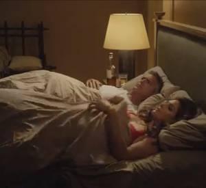 George Clooney et Cindy Crawford au lit pour une publicité Casamigos Tequila.