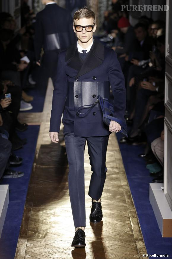 Défilé Valentino. L'homme aime le total look et les accessoires.