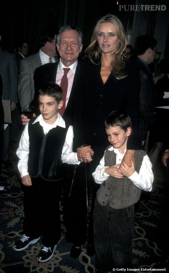 Hugh Hefner et son ex femme Kimberley Conrad et ses fils Martson et Cooper.