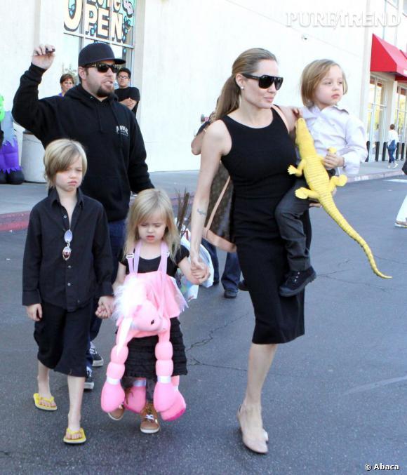 Angelina Jolie semble prête pour sa nouvelle vie de femme au foyer.