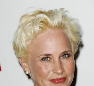 """Patricia Arquette, drame sur tapis rouge lors de la première de """"A Glimpse Inside the Mind of Charles Swan III"""" à Los Angeles le 4 février 2013. Cherche-t-elle à gagner sa place parmi les plus vilaines blondes d'Hollywood ?"""