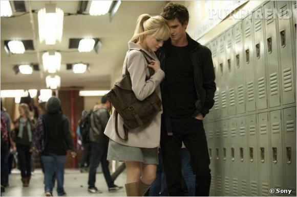 On retrouve évidemment Emma Stone et Andrew Garfield dans le rôle de Gwen Stacy et Peter Parker.