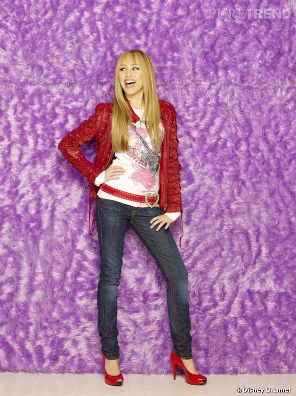 A 12 ans, Miley Cyrus devient une teen star en incarnant Hannah Montana pour Disney Channel. Entre disques et produits dérivés, impossible de lui échapper.