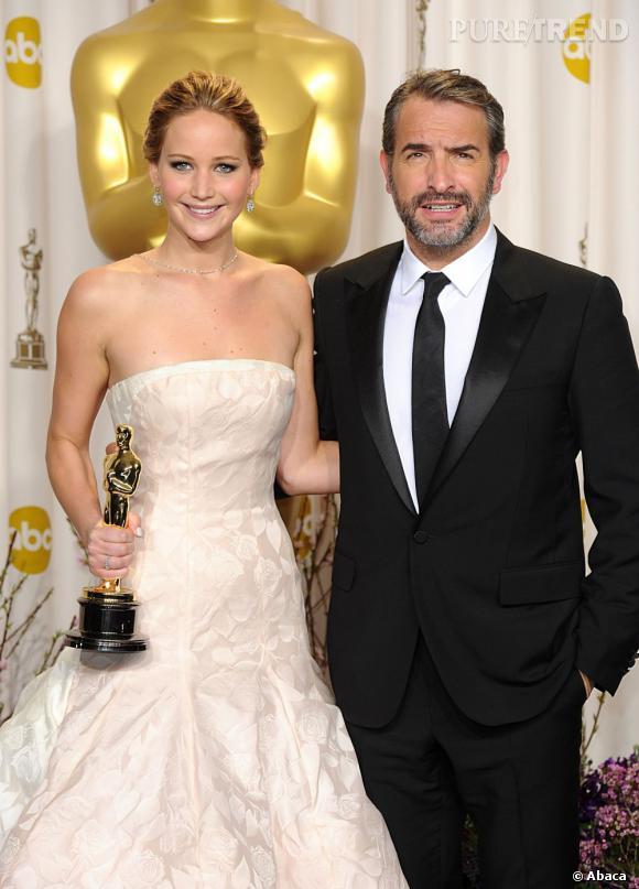 """Jennifer Lawrence décroche l'Oscar de la meilleure actrice pour """"Happiness Therapy""""."""