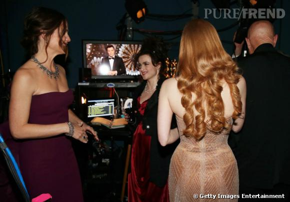 Jennifer Garner, Helena Bonham-Carter et Jessica Chastain passent le temps en coulisses.