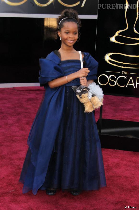 Quvenzhane Wallis et son sac chien Poochie & co aux Oscars 2013.