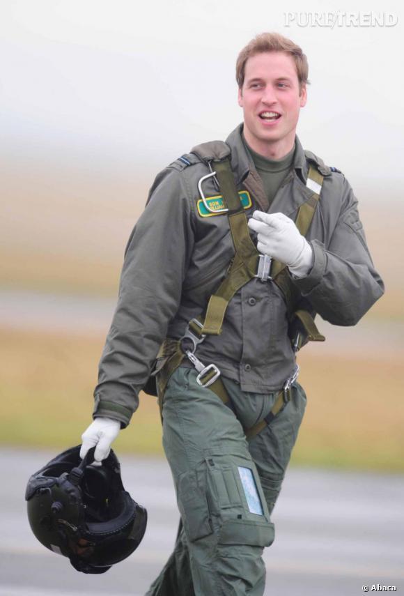 Le Prince William sauve la vie de deux randonneurs au nord du Pays de Galles.