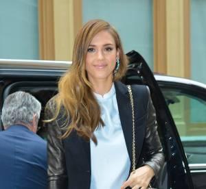 Jessica Alba vs Louise Roe : le pantalon fleuri