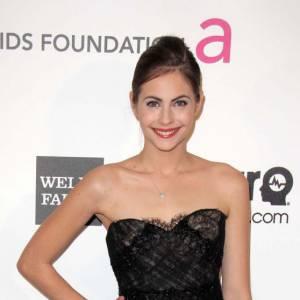 Willa Holland, magnifique en robe bustier Marchesa à la soirée Elton John...