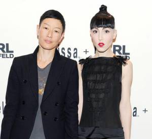 Jenny Shimizu et Michelle Harper à la soirée de lancement de la collection Melissa x Karl Lagerfled.