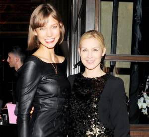 Karlie Kloss et Kelly Rutherford à la soirée de lancement de la collection Melissa x Karl Lagerfled.