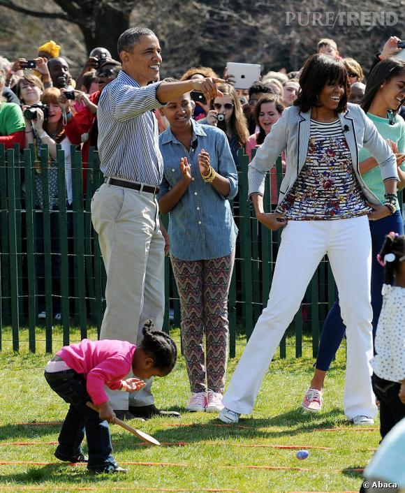 Michelle Obama se prête au jeu de la chasse aux oeufs.