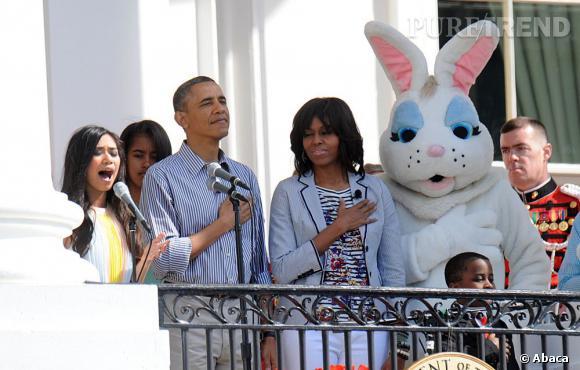 Barack et Michelle Obama chantent en choeur l'hymne national.