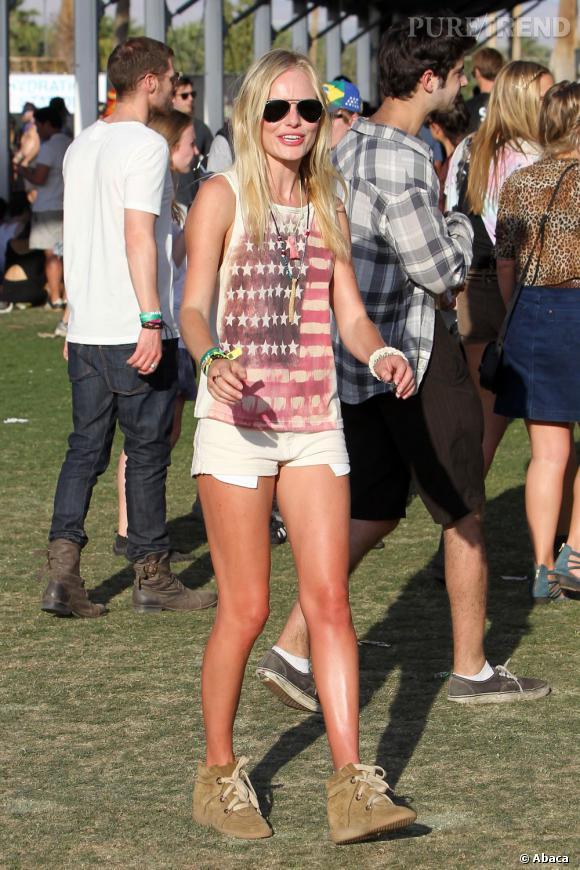 Kate Bosworth au festival de Coachella en 2011. Une tenue devenue culte avec ses sneakers Isabel Marant.