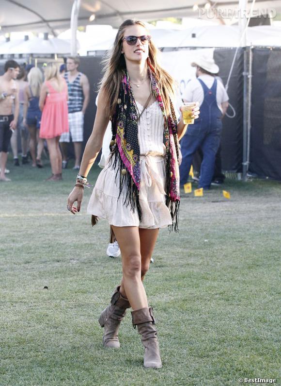 Alessandra Ambrosio au Festival de Coachella de 2012 : le style dans la peau.