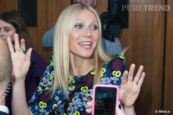 """Gwyneth Paltrow  à l'avant première d'""""Iron Man 3"""" à Paris : l'actrice est entourée par les fans."""