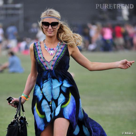 Paris Hilton, reine du headband boho.