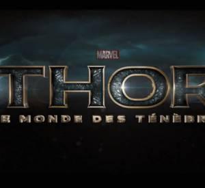 La vidéo nous entraîne dans un monde devenu encore plus sombre et dangereux. Thor en vient même à devoir demander de l'aide à son frère Loki.