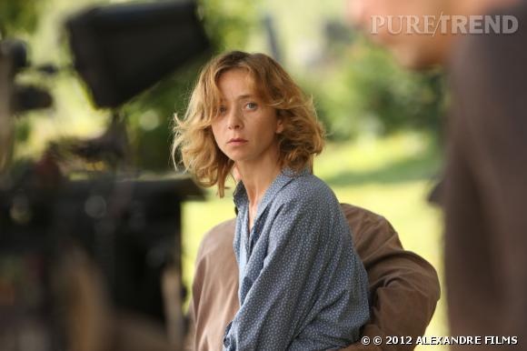 """""""Pour une femme"""" : les premières images du film. Un casting 5 étoiles avec ici Sylvie Testud."""