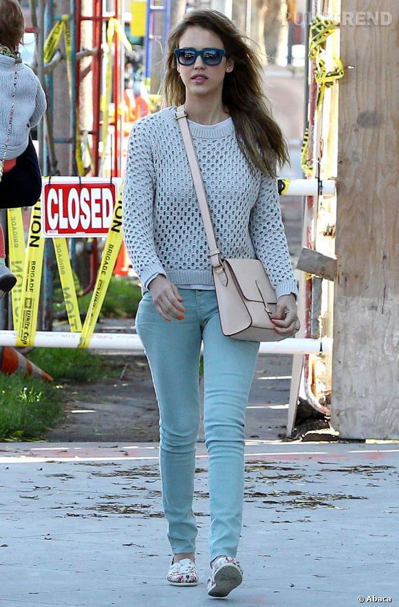 Les stars fans de Toms shoes ! Jessica Alba est une fidèle de la marque