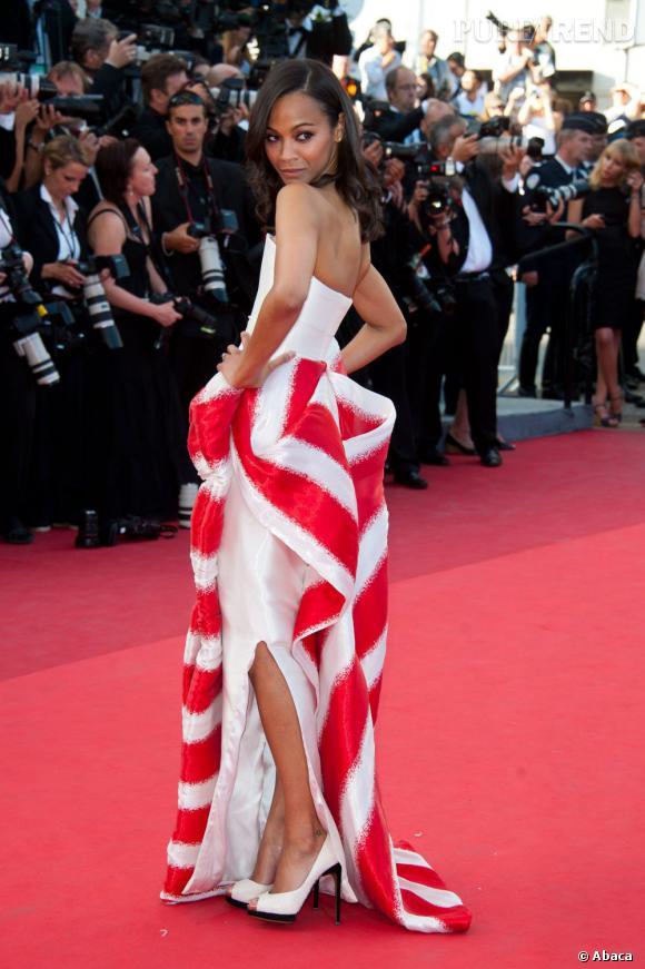 Le top red carpet  : A Cannes, en Armani Privé, Zoe Saldana s'impose comme une impératrice du style.