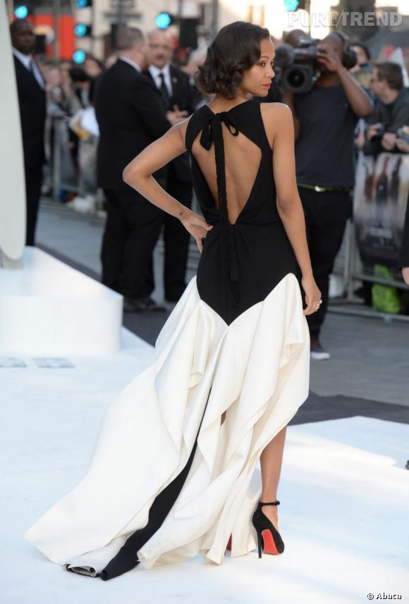 """Le top dos nu  : Zoe Saldana dans une robe Vionnet pré-Automne 2013 à la première de """"Star Trek Into Darkness"""" à Londres."""