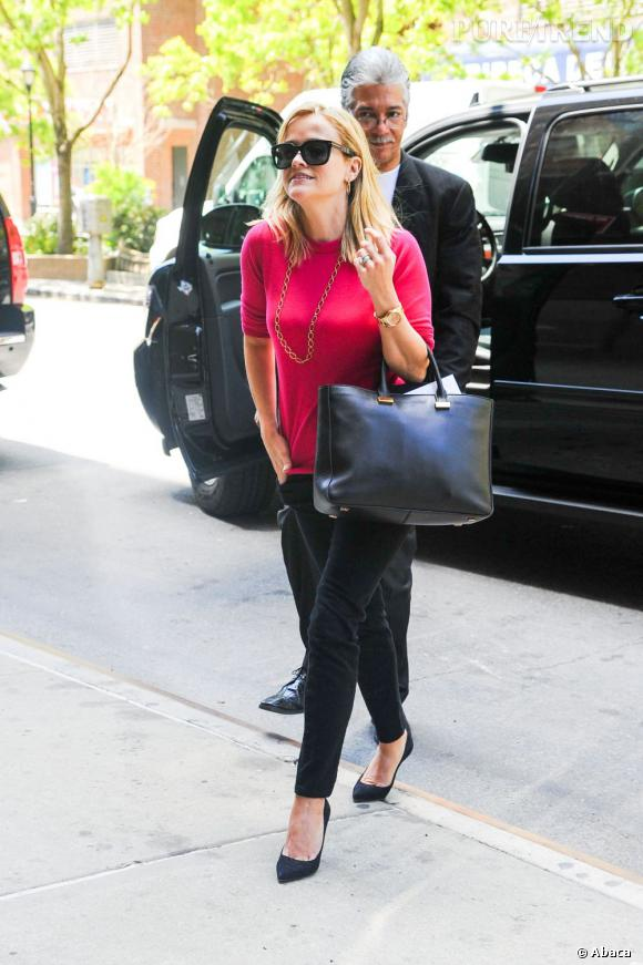 Reese Witherspoon, une maman aux airs de business woman.