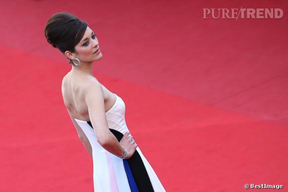 """Marion Cotillard sur le tapis rouge pour """"Blood Ties""""."""