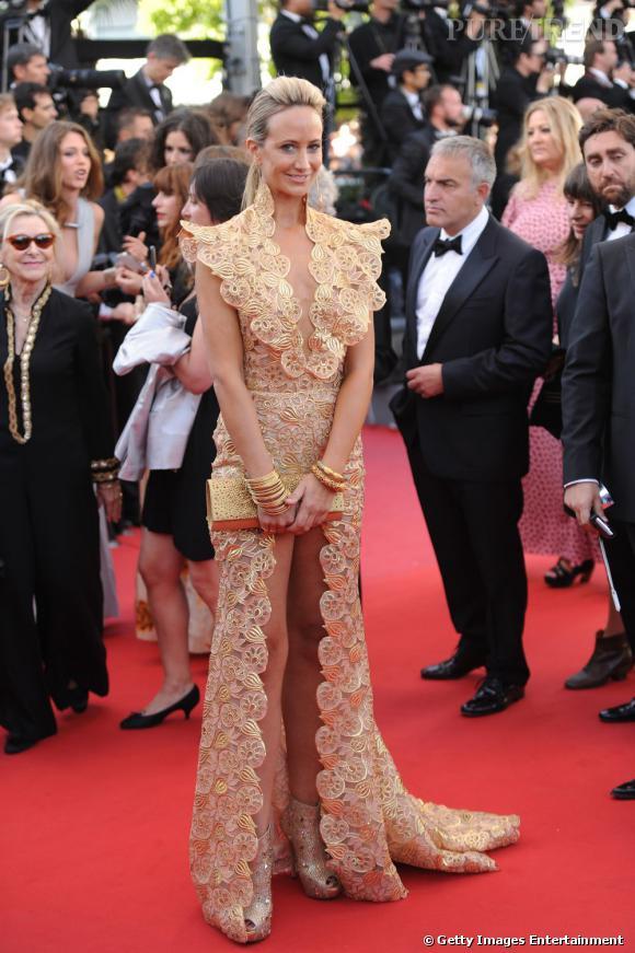 Lady Victoria Hervey à la montée des marches du 6e jour du Festival de Cannes.