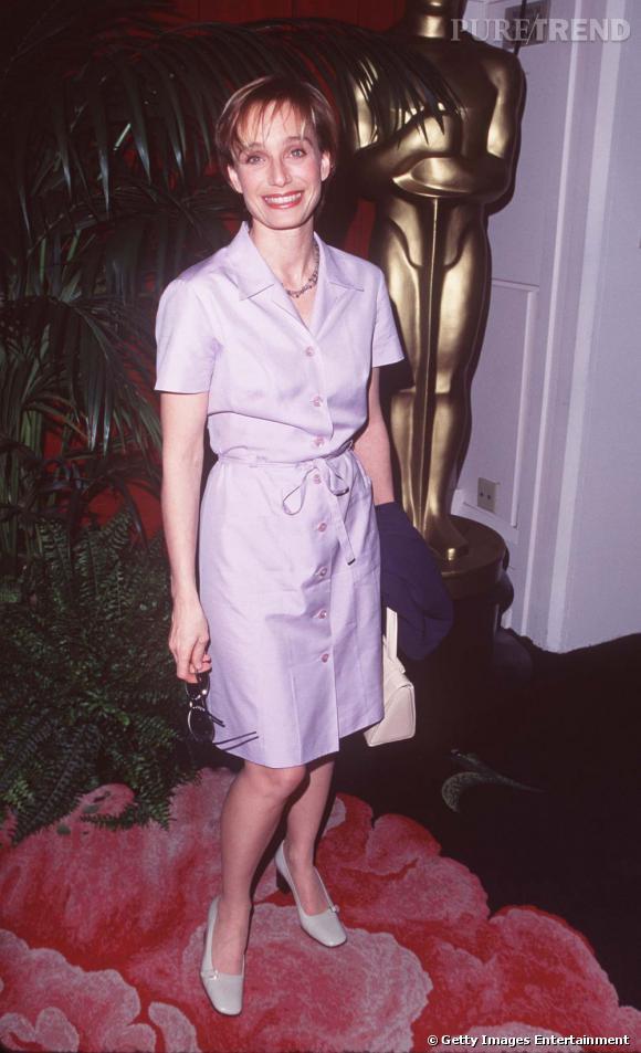 Kristin Scott Thomas s'offre l'un de ses premiers tapis rouge en 1997. On est loin de l'actrice au style hollywoodien qu'elle est devenue