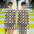 Comment porter le short ce Printemps-Eté 2013 ?       Comme chez Louis Vuitton le short ose la combinaison graphique !     Défilé SS2013