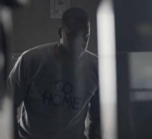 Jay-Z a annoncé la bonne nouvelle grâce à une vidéo-publicité Samsung, qui le suit pendant la préparation de son album, accompagné de rappeurs célèbres.
