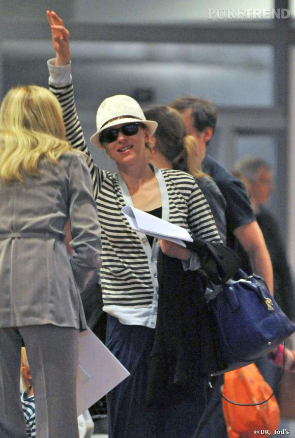 Naomi Watts possède bien entendu un D. Bag de Tod's dans sa collection de sac.