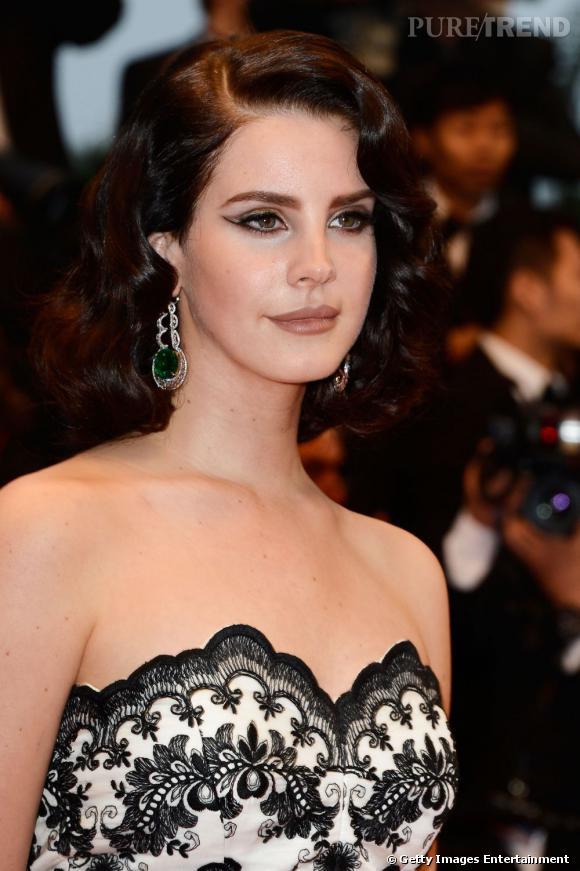 Lana Del Rey fête ses 27 ans et elle est déjà sur tous les fronts.